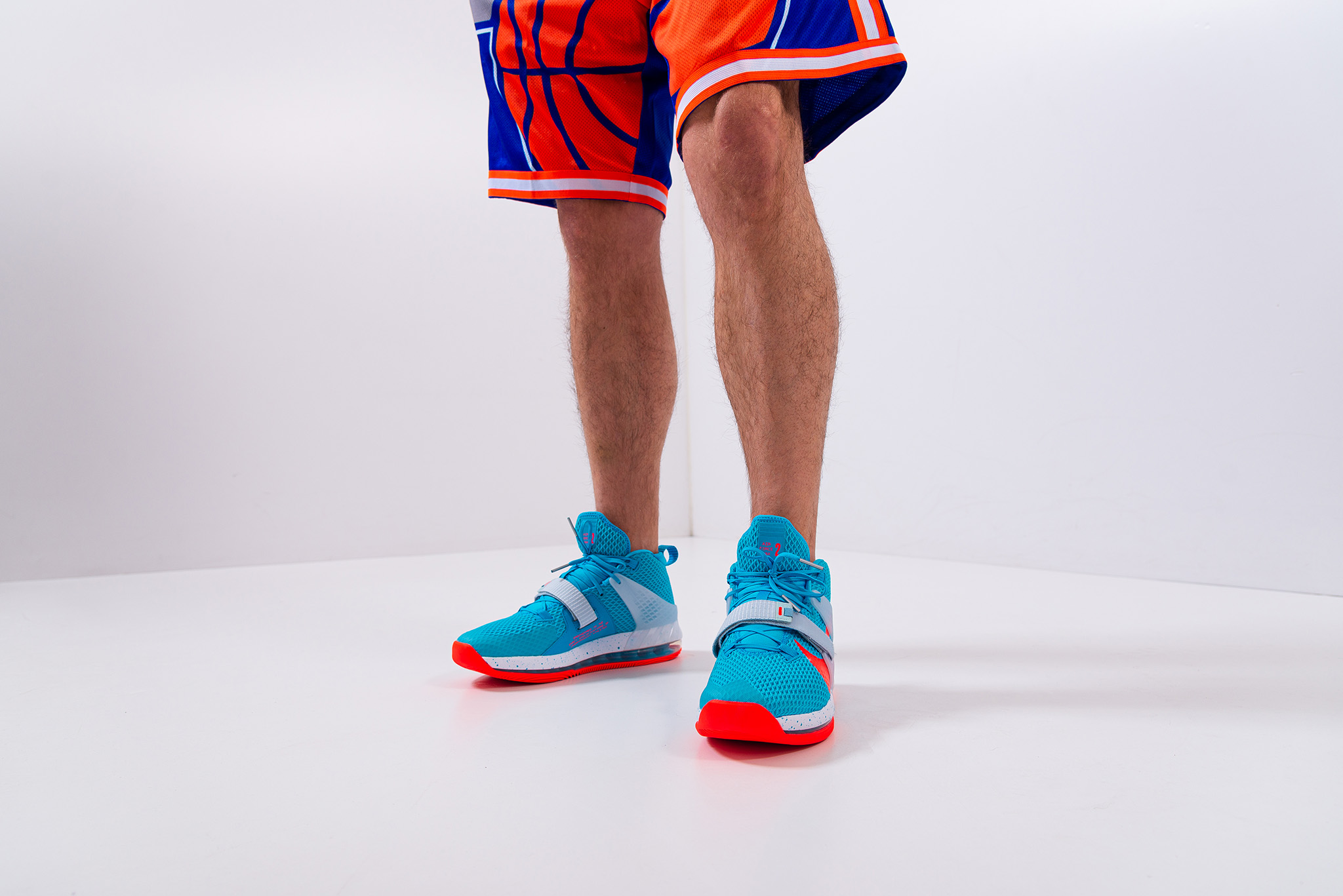 Looking for new basketball shoes? We will help you to choose!